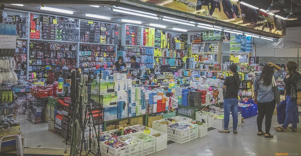 Pantip Plaza — Пантип Плаза — Торговый центр электроники в Бангкоке